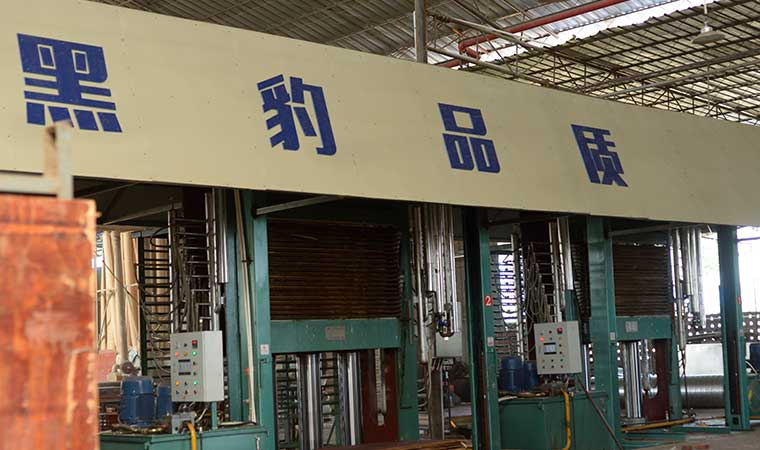 广西是比较知名的建筑模板生产厂家