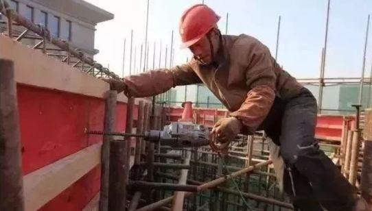 冬季施工中建筑模板