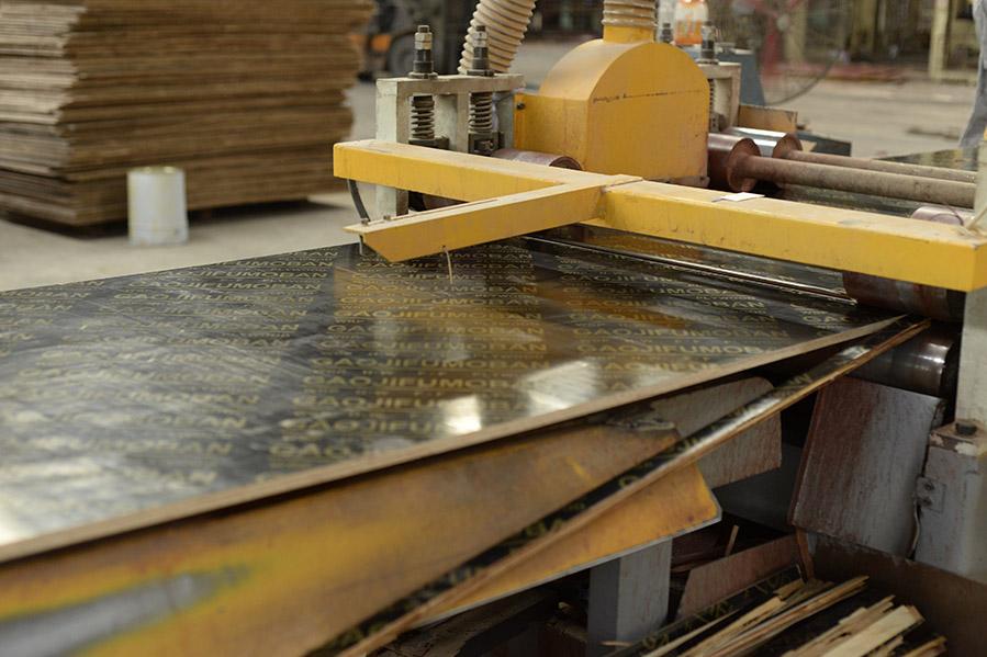 南宁建筑模板-高使用率覆膜建筑板