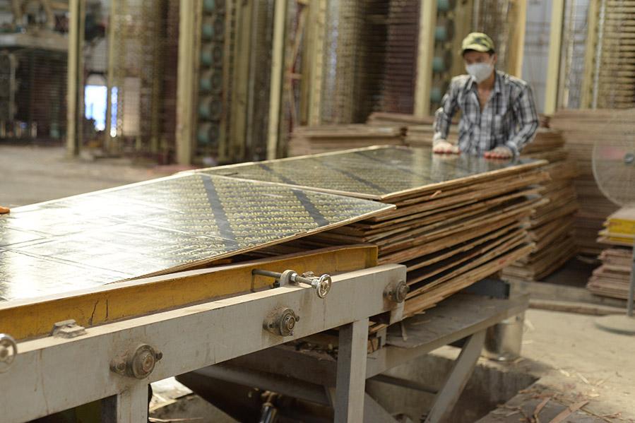 南宁36尺覆膜板源头厂家直供