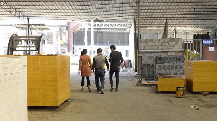 铁红面建筑模板南宁厂家供应