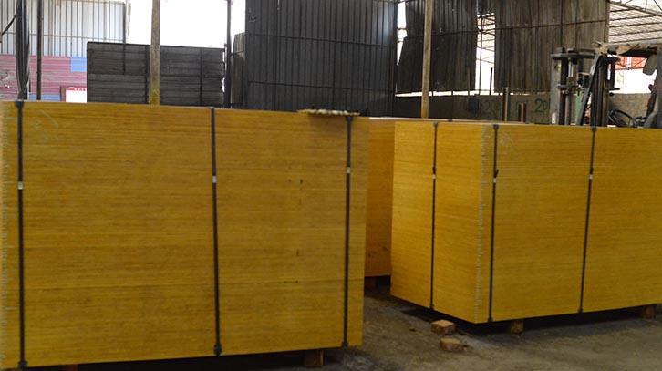 广西南宁厂家直供铁红面木模板