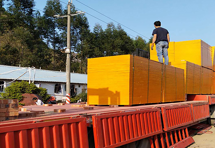 松桉木铁红面模板1.1厚度保足