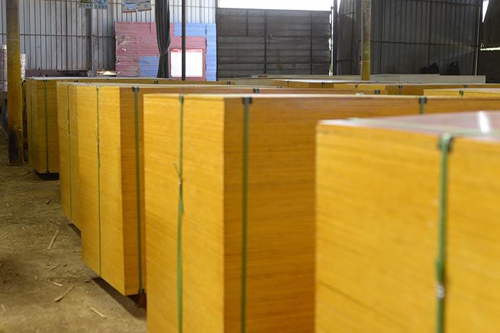 建筑铁红面模板施工专用木模板
